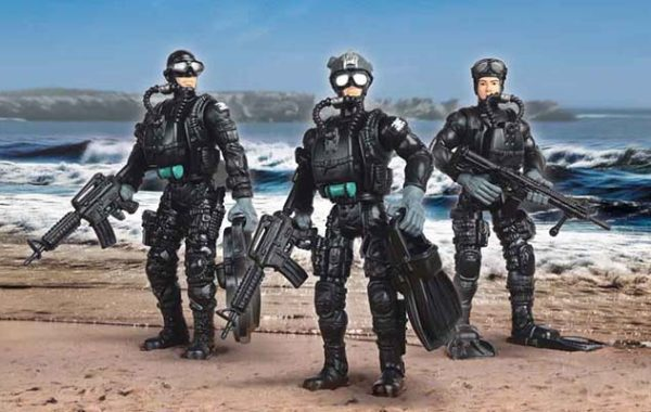 U.S. Navy Seals Figure with Accessories – Land & Water Gear